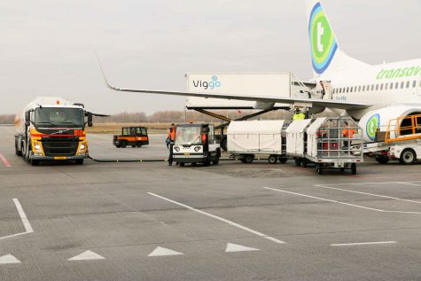 De Still trekkers vormen de ruggengraat van de logistieke operatie op Eindhoven Airport.